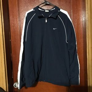 Nike size Large Zip up Lightweight Jacket